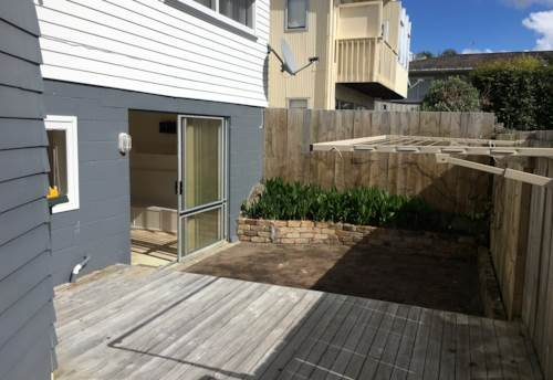 Northcote, Spacious, Sunny One Bedroom Unit, Property ID: 15000928 | Barfoot & Thompson