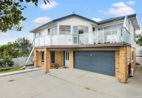 Glenfield, Modern Family Home with Fabulous Views, Property ID: 810037 | Barfoot & Thompson