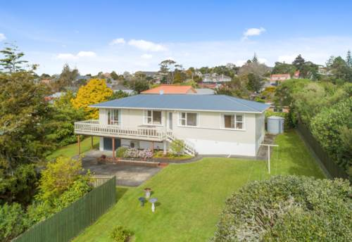 Beach Haven, 4 Bedroom family home in Coastal Beach Haven, Property ID: 15000956 | Barfoot & Thompson