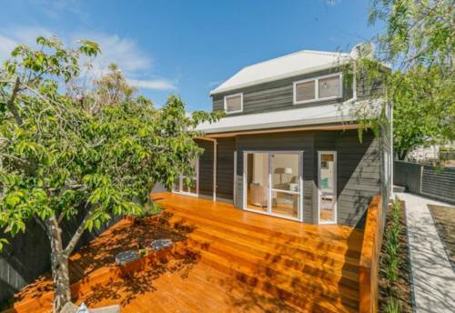 Takapuna, Top School, Romantic Cafe, Be There or Be Square, Property ID: 15000961 | Barfoot & Thompson