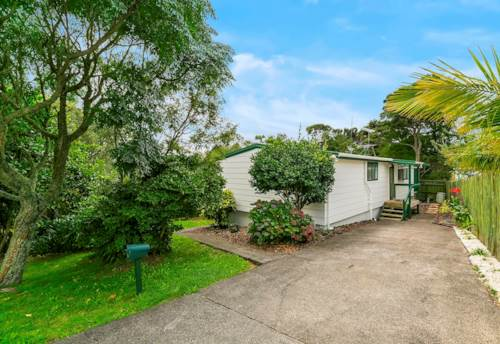Bayview, Must see Bush Views! 3 Bedroom Family Home , Property ID: 15000984 | Barfoot & Thompson