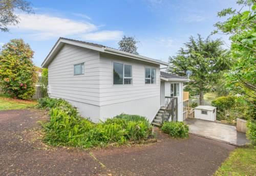 Browns Bay, 4 Bedrooms Family Home In Browns Bay and Rangitoto Zone, Property ID: 15002062 | Barfoot & Thompson