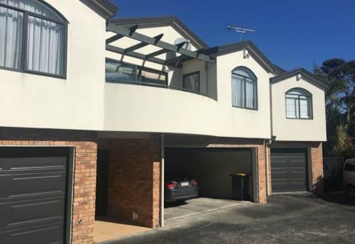 Birkenhead, LOCATION LOCATION - Modern Townhouse , Property ID: 15002071 | Barfoot & Thompson