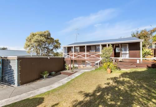 Totara Vale, 2 Bedroom Cottage, Property ID: 15002125   Barfoot & Thompson