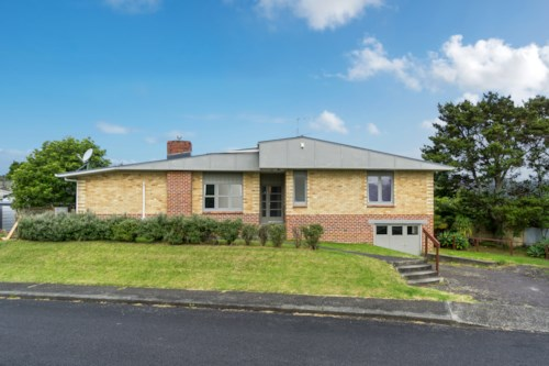 Hillcrest, Well Presented Home in Willow Park Zone, Property ID: 15002135 | Barfoot & Thompson