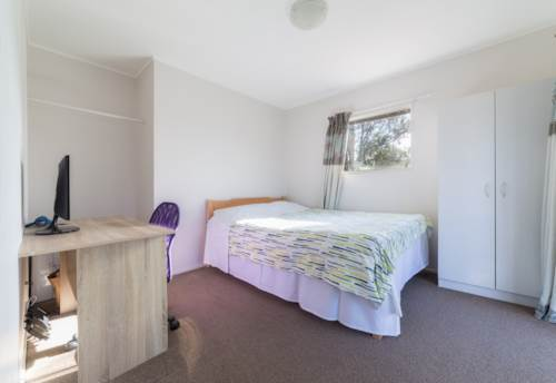 Browns Bay, 3 Bedrooms Rangi Zone with Heat Pump and 1.5 baths in Browns Bay, Property ID: 15002156 | Barfoot & Thompson