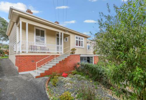 Mt Eden, Large Mt Eden Home! , Property ID: 15002173 | Barfoot & Thompson