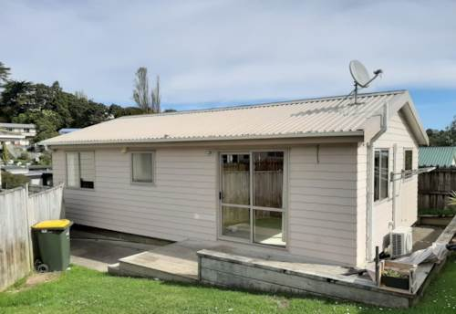 Bayview, Warm Family Home in Bayview!, Property ID: 15002199 | Barfoot & Thompson