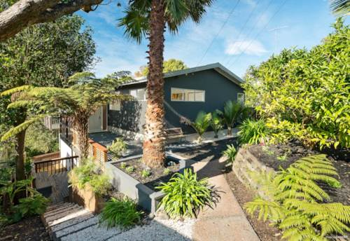 Bayview, 5 Bedroom House in Bayview!, Property ID: 15002222 | Barfoot & Thompson