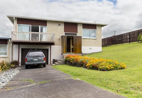 Totara Vale, PRIVATE WITH SPECTACULAR VIEWS, Property ID: 15002232 | Barfoot & Thompson