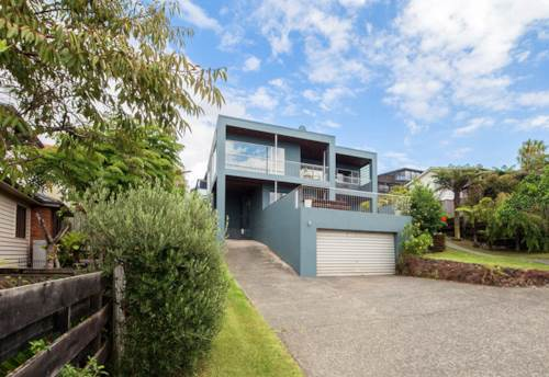 Browns Bay, Browns Bay Lifestyle with Stunning Seaview plus 2 heat pumps, Property ID: 15002262 | Barfoot & Thompson