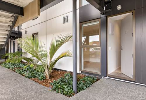 Stonefields, FREEHOLD ONE BEDROOM WITH CARPARK, Property ID: 808621 | Barfoot & Thompson