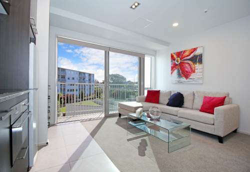 Takapuna, Newly Refurbished property in Central Takapuna, Property ID: 15002285 | Barfoot & Thompson