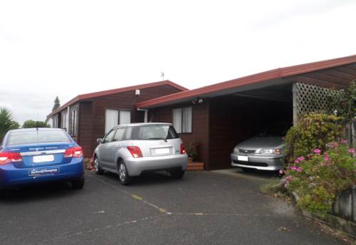 Te Atatu South, SMELL THE ROSES &  PICK THE FRUIT , Property ID: 16000720 | Barfoot & Thompson
