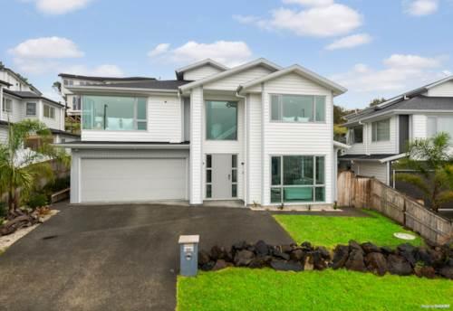 Millwater, Dramatic Kitchen and Beautiful Views, Property ID: 810443 | Barfoot & Thompson