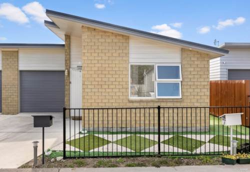 Wiri, NEAR-NEW IDEAL FIRST HOME, Property ID: 810442 | Barfoot & Thompson