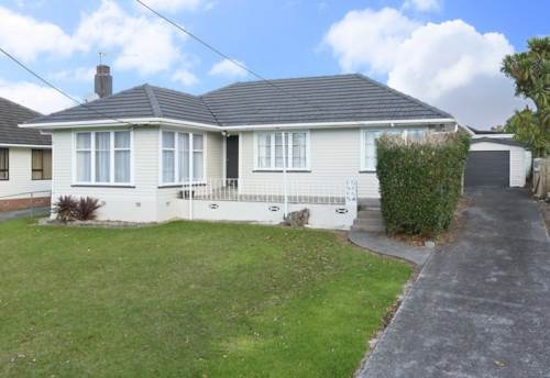 Henderson, Search no more - This is it, Property ID: 16000863   Barfoot & Thompson