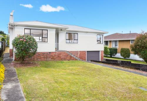 Te Atatu South, Room to spread out, Property ID: 16000916 | Barfoot & Thompson