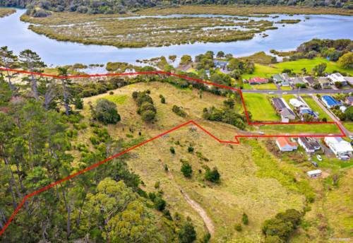 Waiwera, 2.56 Ha Residential Land Close To the Water!, Property ID: 810473 | Barfoot & Thompson