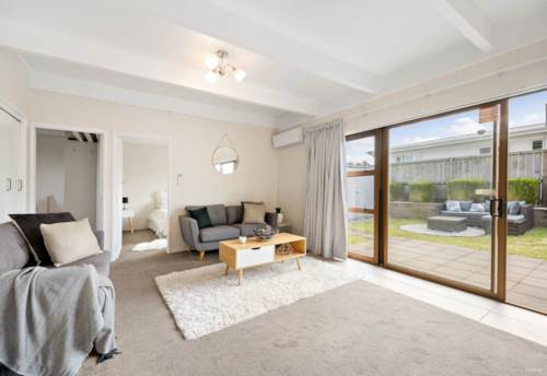 Manurewa, Newly Renovated Unit Looking for a Great Tenant , Property ID: 85002257 | Barfoot & Thompson