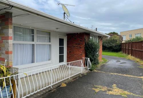 Mt Wellington, Private and Sunny, Property ID: 92000069 | Barfoot & Thompson