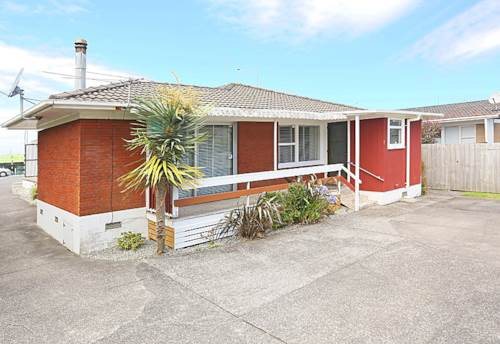 Te Atatu South, TARGET IN ON THIS, Property ID: 16001061 | Barfoot & Thompson