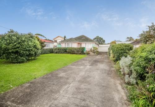 Henderson, Very Tidy and Close to Everything!   , Property ID: 16001127 | Barfoot & Thompson