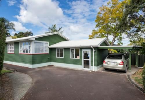 Te Atatu South, A true blue Kiwi home in a superb street in Te Atatu South, Property ID: 16001163   Barfoot & Thompson