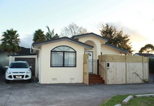 Henderson, Warm and renovated 3 bedroom home!, Property ID: 16001183   Barfoot & Thompson