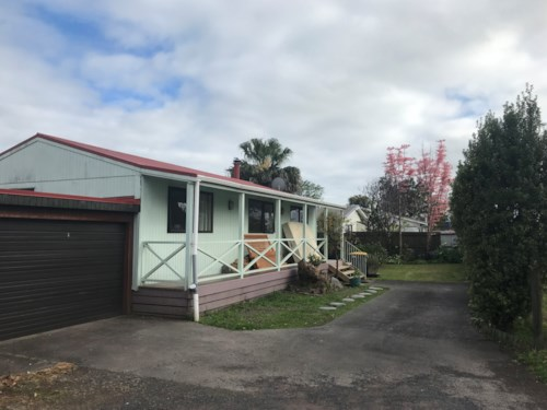 Henderson, 2 Bedroom with garage, Property ID: 16001210 | Barfoot & Thompson