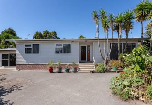 Te Atatu South, DEFINITELY TOP SHELF, Property ID: 16001228 | Barfoot & Thompson