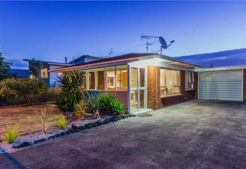 Bucklands Beach,  So close  to the beach and good schools, Property ID: 17001414 | Barfoot & Thompson