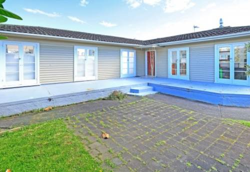 Pakuranga, Lovely 3 bedroom home, Property ID: 17001561 | Barfoot & Thompson