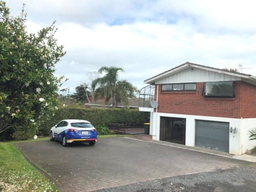 Mellons Bay, BEST STREET IN TOWN!, Property ID: 17001773 | Barfoot & Thompson