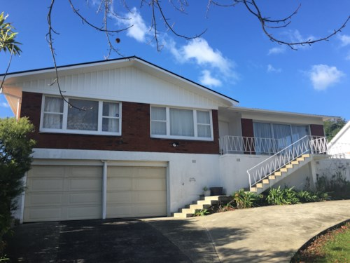 Howick, HOME & GRANNY FLAT, Property ID: 17001981 | Barfoot & Thompson