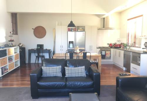 Howick, HOME AWAY FROM HOME!, Property ID: 17002087 | Barfoot & Thompson