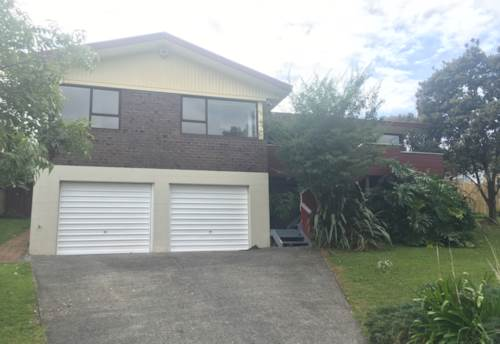 Botany Downs, Excellent Location , Property ID: 17002249 | Barfoot & Thompson