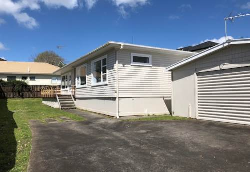 Howick,  Light and warm home, Property ID: 17002376   Barfoot & Thompson