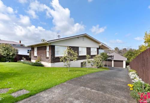 Howick, Excellent location , Property ID: 17002391 | Barfoot & Thompson