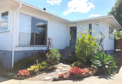 Pakuranga, Three Beddie Family Home, Property ID: 17002400 | Barfoot & Thompson