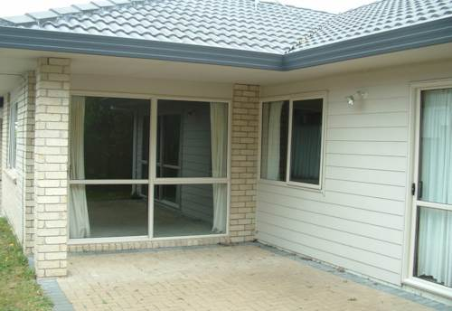 Howick, Central Howick!, Property ID: 17002403   Barfoot & Thompson