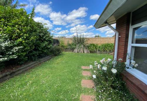 Pakuranga Heights, Gardeners paradise!, Property ID: 17002473 | Barfoot & Thompson