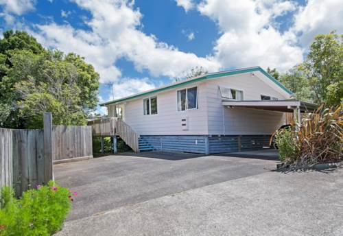 Glenfield, One Level with 3 Bedrooms  Freshly Painted -New Carpet, Property ID: 19000873   Barfoot & Thompson