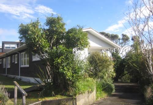 Mairangi Bay, SUNNY HOME - IDEAL LOCATION, Property ID: 19001009 | Barfoot & Thompson