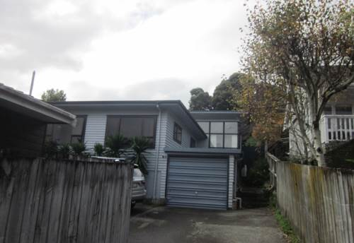 Forrest Hill, Great schools, handy to motorway, Property ID: 19001089 | Barfoot & Thompson