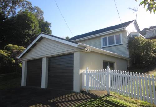 Murrays Bay, CHARACTER HOME GREAT LOCATION, Property ID: 19001126 | Barfoot & Thompson