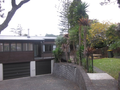 Campbells Bay, APPEALING SUNNY HOME, Property ID: 19001172 | Barfoot & Thompson