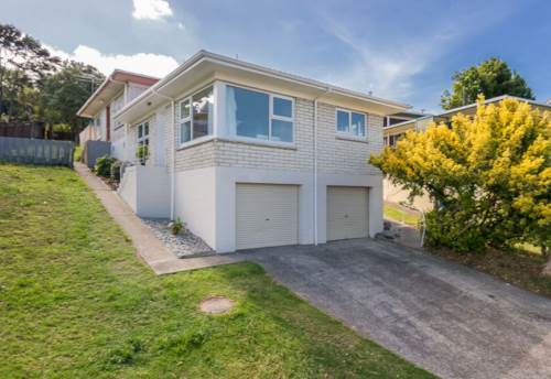 Glenfield, Elevated, tidy 2 brm unit, Property ID: 19002180 | Barfoot & Thompson