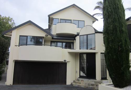 Campbells Bay, Beautiful Family Home with Pool, Property ID: 19002221 | Barfoot & Thompson