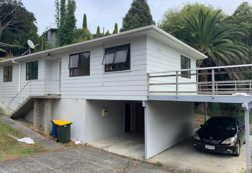 Glenfield, Lovely family home close to shops and schools, Property ID: 19002229 | Barfoot & Thompson